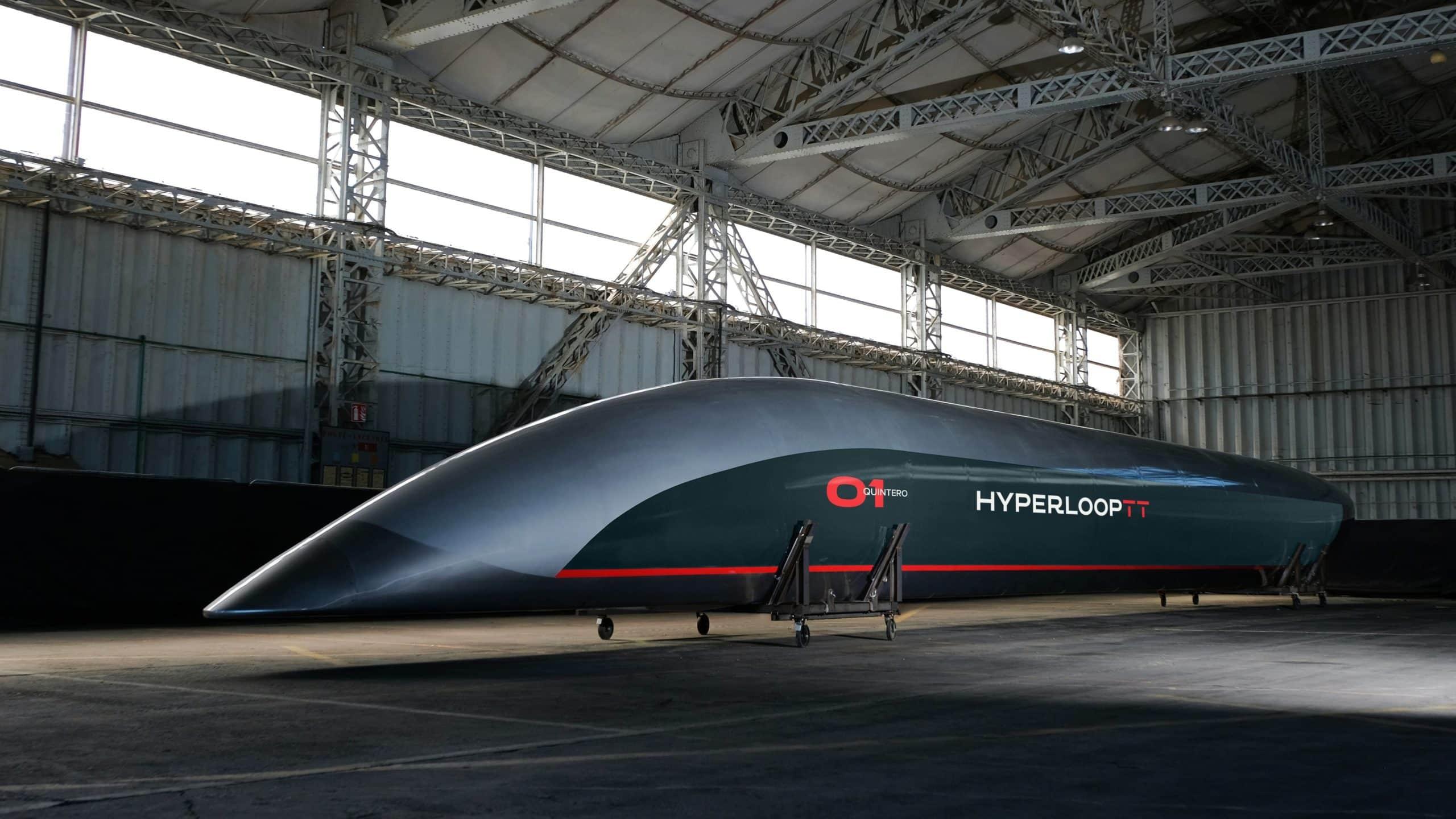 2019_HyperloopTT_Toulouse_Capsule.resized-min